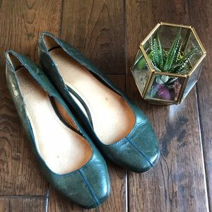 Frye forest green flats with navy blue stitching